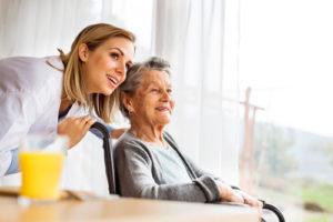 Die Pflegezusatzversicherung schließt die Finanzierungslücke zur Pflegepflichtversicherung